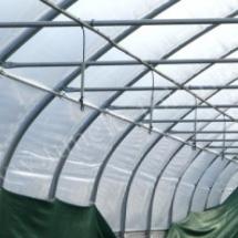 Sistema de irrigación en el túnel