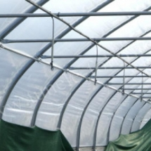 Sistema de irrigação no túnel